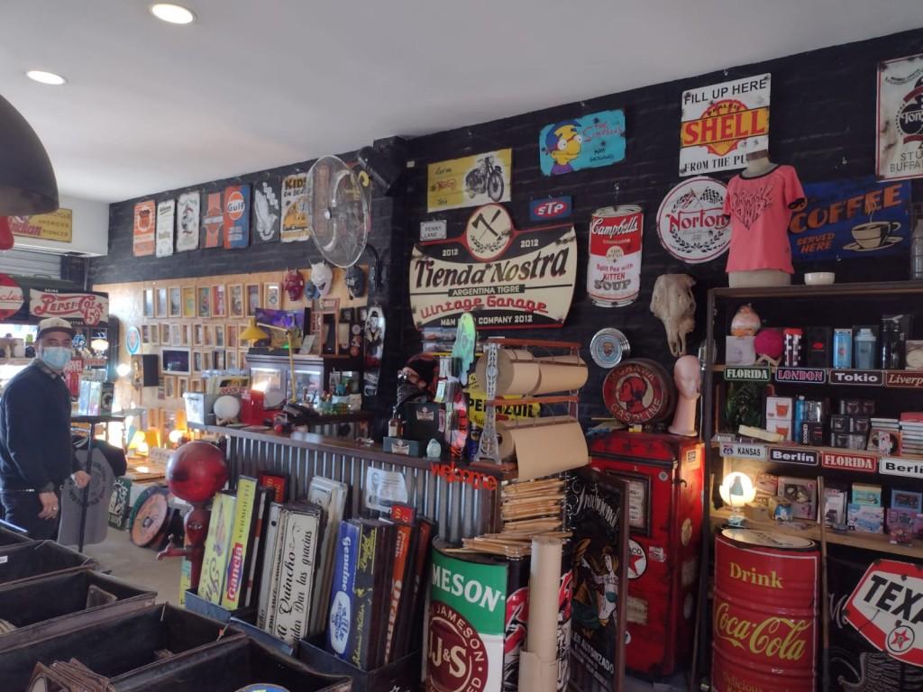Puerto de Frutos: 'Tienda Nostra'