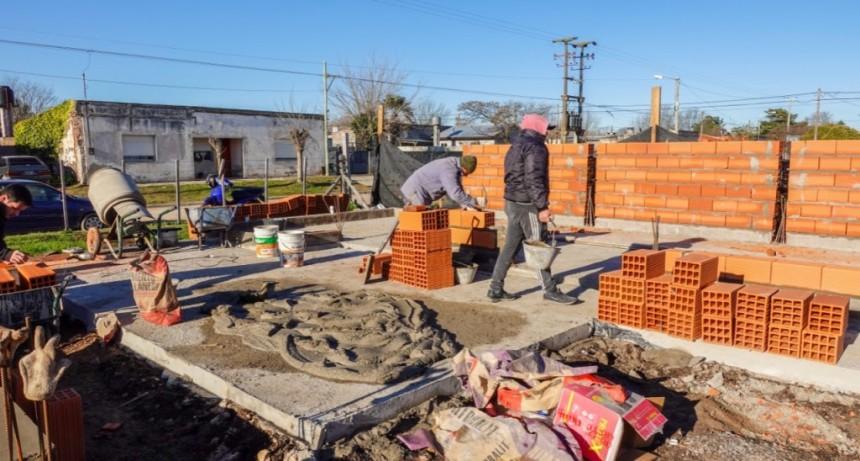 Tapalqué: Avanza la construcción de 24 viviendas