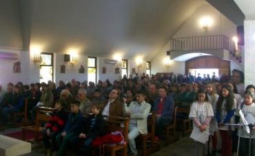 Encabezado por el Obispo, la Parroquia Santa Elena celebró 50 años