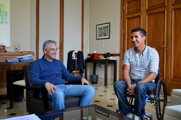 Eseverri recibió al deportista local Lucas Díaz Aspiroz