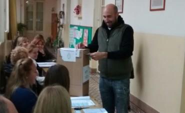 Valicenti votó en Colonia Hinojo