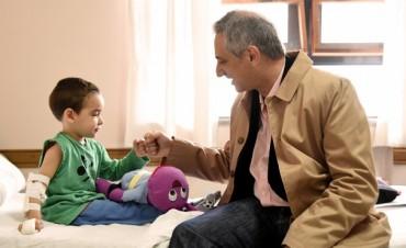 Niños y niñas internados en Pediatría recibieron juguetes por el Día del Niño