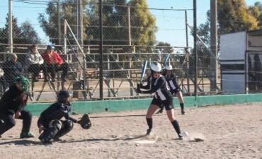 Arbitros olavarrienses de softbol en Brasil