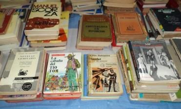 Feria de libros usados en la Biblioteca 1º de Mayo