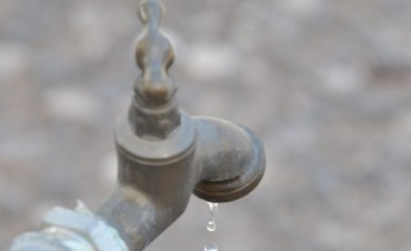 Dos escuelas sin clases por falta de agua