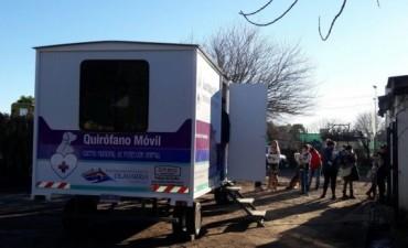 El quirófano veterinario móvil incorpora equipamento y servicios