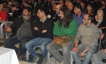 Municipales bonaerenses se movilizan a la Casa de la Provincia
