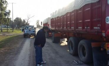 Se detectó un camión con sobrecarga que intentó darse a la fuga