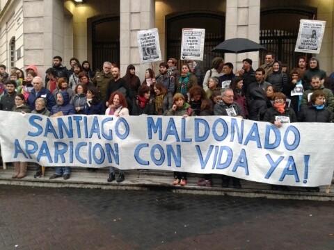 En Olavarría marcharon por Santiago Maldonado