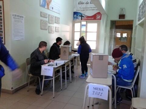 Tres mesas de extranjeros funcionan en Olavarría