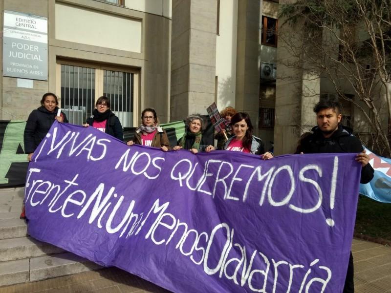 Con diferentes manifestaciones, inició el juicio contra Cristina Santillán en Azul