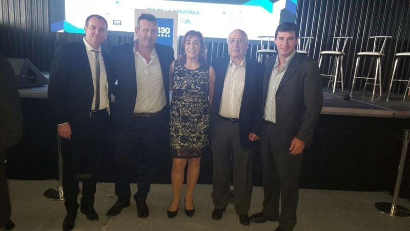 Industriales olavarrienses con Macri y Vidal