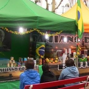 Gral. Alvear : Feria Comunitaria en la Plaza principal