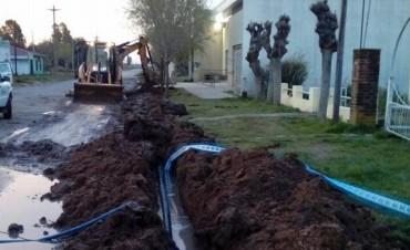 Comenzó la ampliación de la red de agua en Espigas