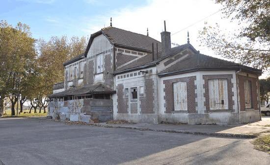"""Macondo dice """"no"""" a una comisaría en la ex estación de trenes el Provincial, sí a un Centro Cultural"""