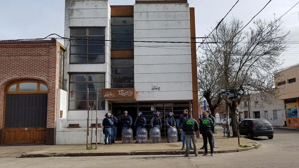 Allanan las oficinas de UOCRA Olavarría