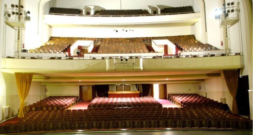Noche de tango y folklore en el Teatro Municipal