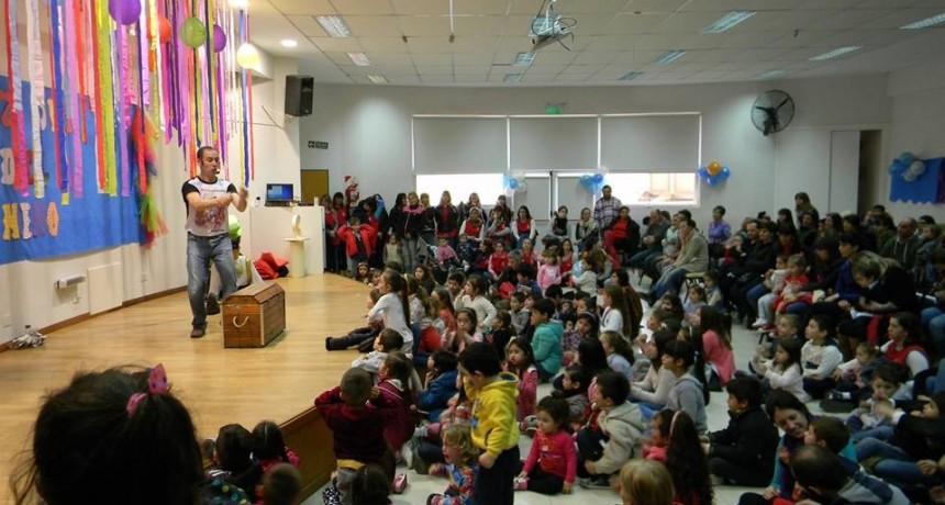Anuncian festejo del día del niño en el CECO