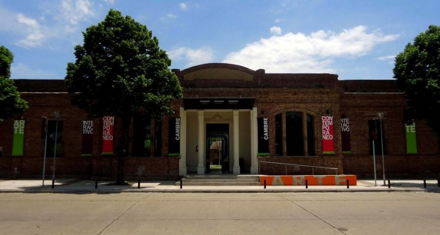 Taller de técnicas en papel en el Centro Cultural