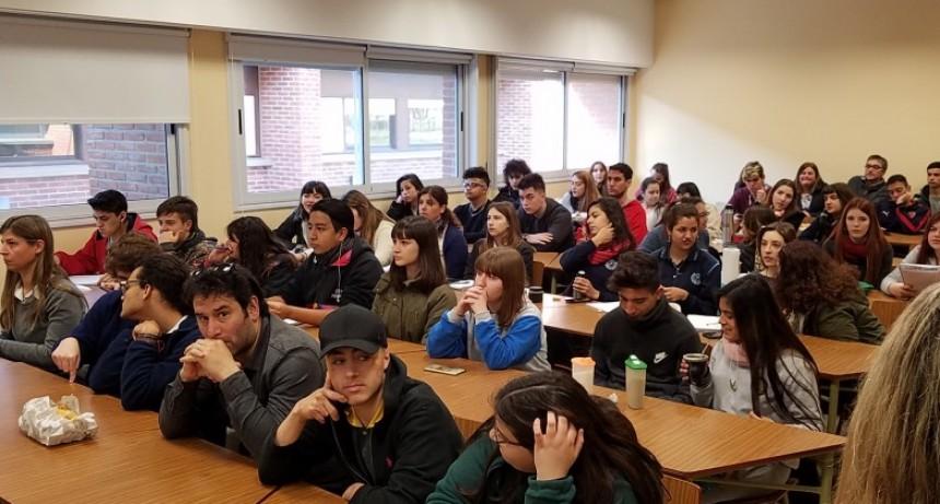 Pese a las medidas de fuerza docentes, inició el Concejo Deliberante Estudiantil