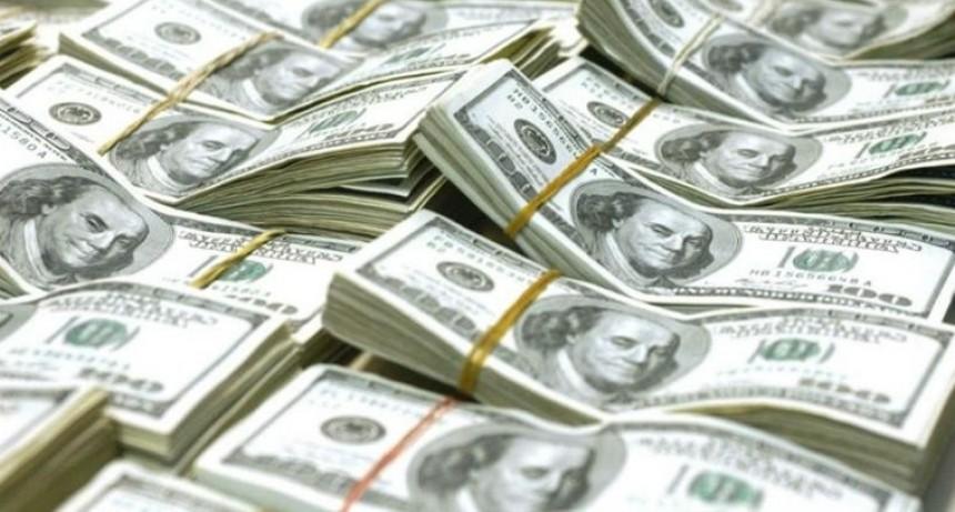 El dólar voló 7,5% al récord de $ 34,48