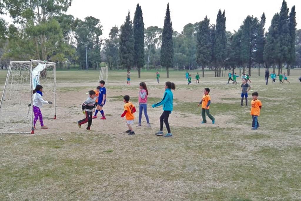 Jornada deportiva en el Parque Helios Eseverri