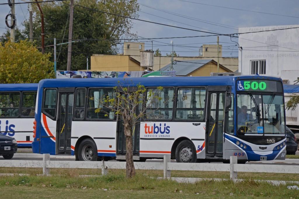 Transporte urbano: desde este lunes rigen los cambios en los recorridos