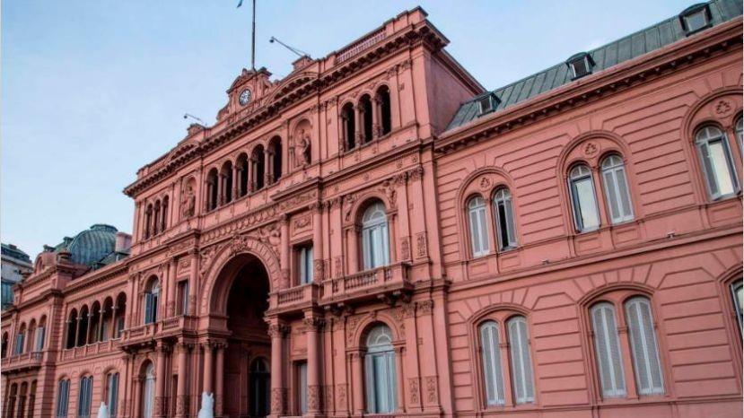 Gobierno oficializó la alícuota 0 en el IVA de la canasta básica y el congelamiento del precio de los combustibles