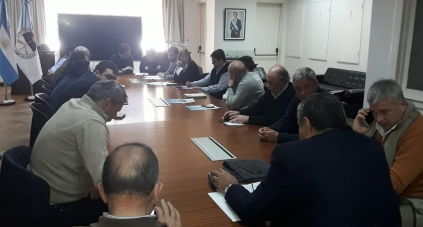 Transporte: La FETRA anunció aumento de tarifas para cereales y FADEEAC denuncia cambio de condiciones