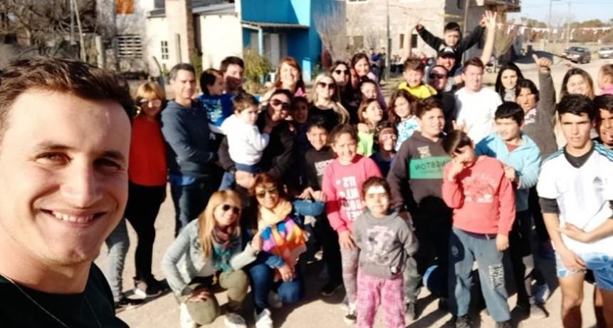 Candidatos y militantes eseverristas festejaron el Día de la Niñez en distintos barrios de la ciudad