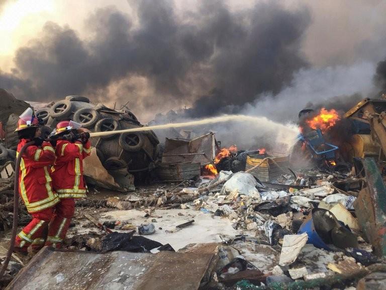 Impresionante explosión en el puerto de Beirut: estalló un depósito y hay al menos diez muertos