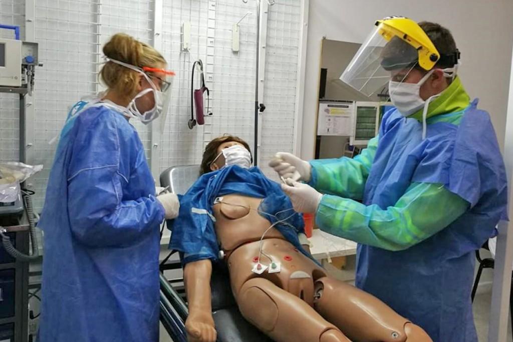 Covid-19: continua capacitación del personal de salud
