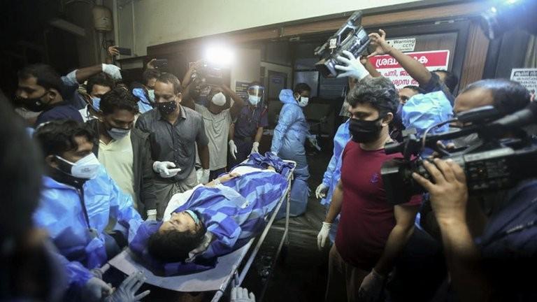 Se estrelló un avión al sudoeste de India: al menos 16 muertos y 15 heridos graves