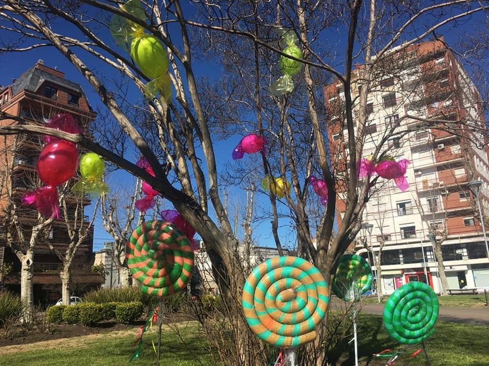 El Municipio lamenta los daños y las sustracciones en la decoración de la plaza