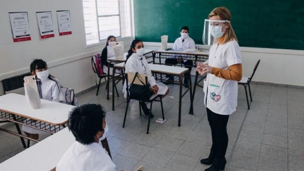 Reinicia el dictado de clases