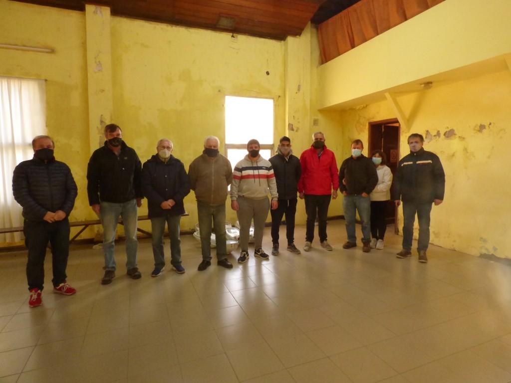 Coopelectric entregó elementos al Club Independiente de Colonia San Miguel