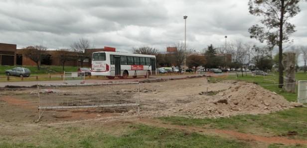 Complejo Universitario de Olavarría: se construyen paradas de colectivos