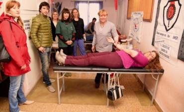 Más de 40 voluntarios donaron sangre en una nueva colecta externa