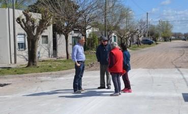 Avanzan los trabajos de pavimentación en el barrio 12 de Octubre