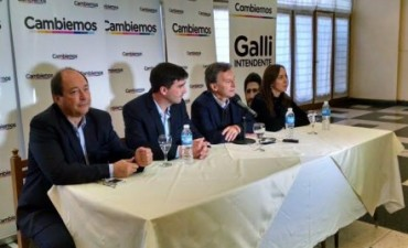 Macri pasó en caravana por Olavarría