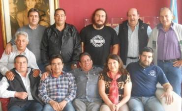 Califican como histórica una negociación entre AOMA y Loma Negra