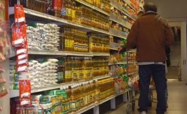 Pese al descenso este mes, los precios de los alimentos han aumentado más del 50% en un año