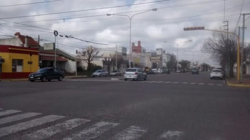 Se pone en funcionamiento el nuevo semáforo de Colón y Alsina