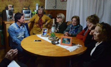 Aguilera continúa con sus recorridos por barrios e instituciones