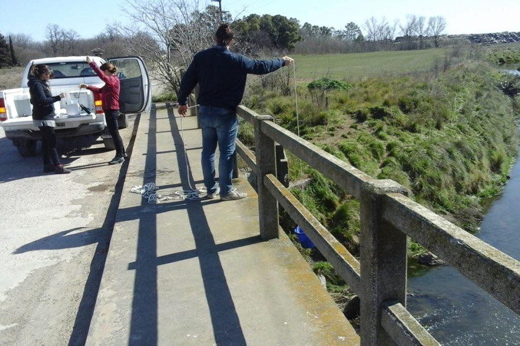El Observatorio de Calidad de Agua continúa el monitoreo de los arroyos Tapalqué y Nievas