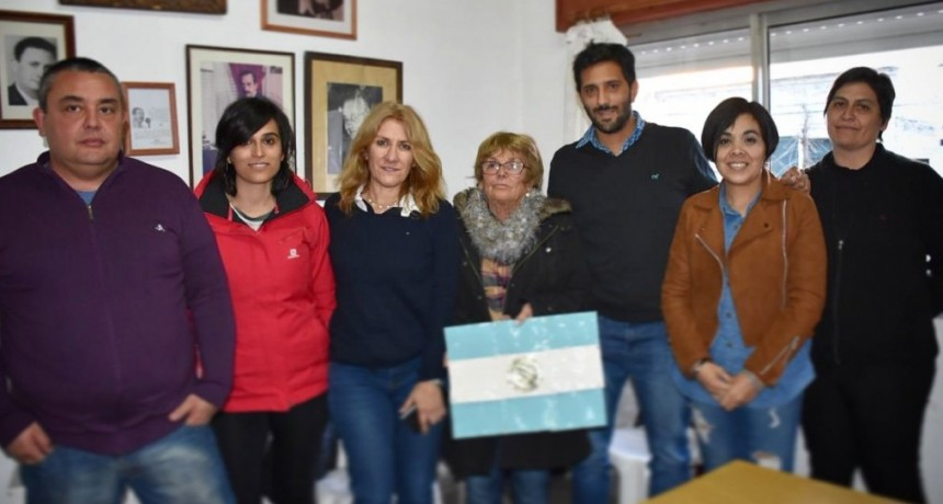 Lordén visitó instituciones en Bolívar y Tapalqué