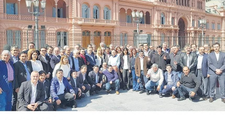 El Intendente de Laprida reclama el Fondo Sojero