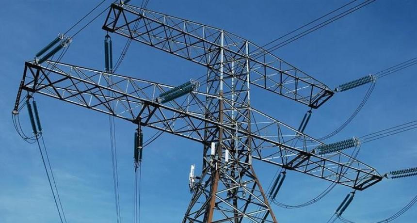 Gobierno retrocede y suspende el traspaso de la tarifa social de la luz a las provincias
