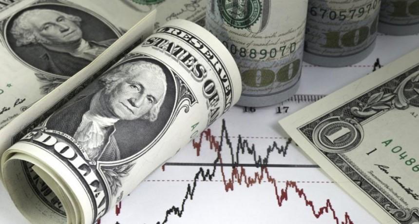 Sobre el cierre, el dólar se da vuelta y avanza a $ 38,79 (mayorista supera los $ 38)
