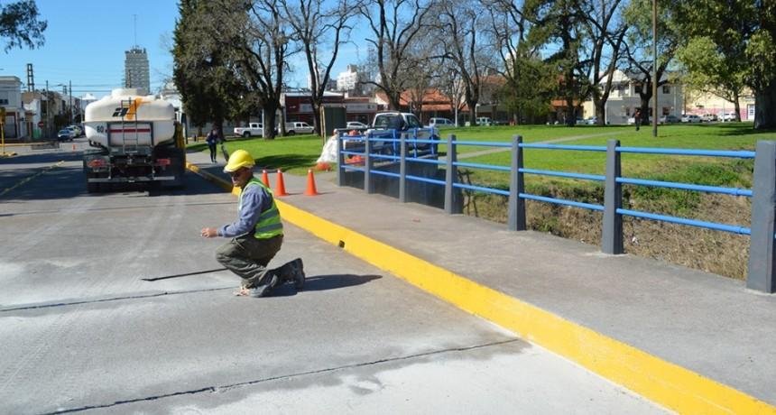 Continuaron las tareas de mantenimiento en el puente de Necochea